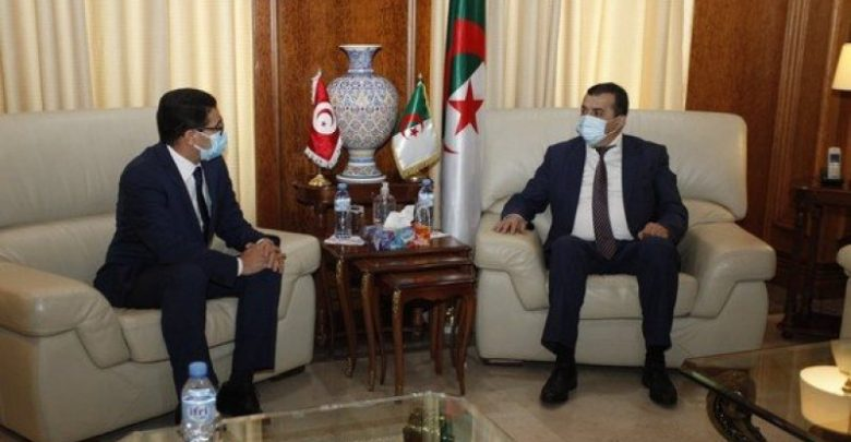 الجزائر وتونس يبحثان فرص التعاون المستقبلية
