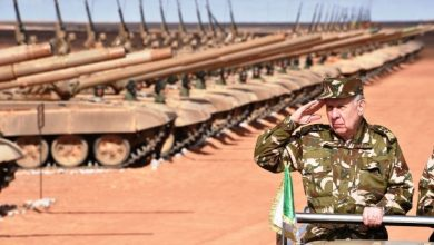 الجيش الجزائري يرفض التدخل لإزاحة الملك المغربي